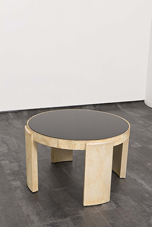 Jacques ADNET - Table basse de forme circulaire